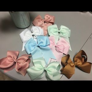 Other - Girls Hair bows 6 inch